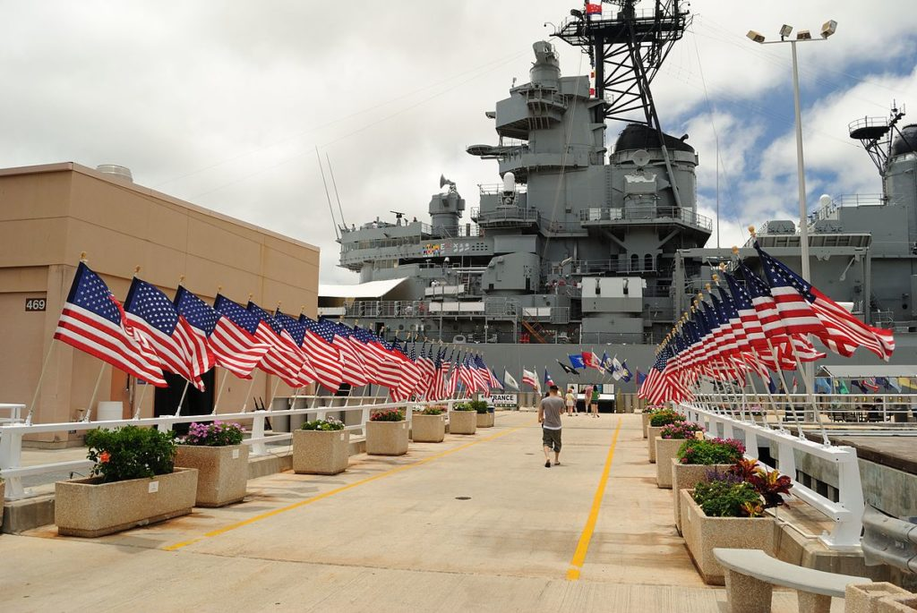 Volunteers to place 2,390 memorial flags at Pearl Harbor